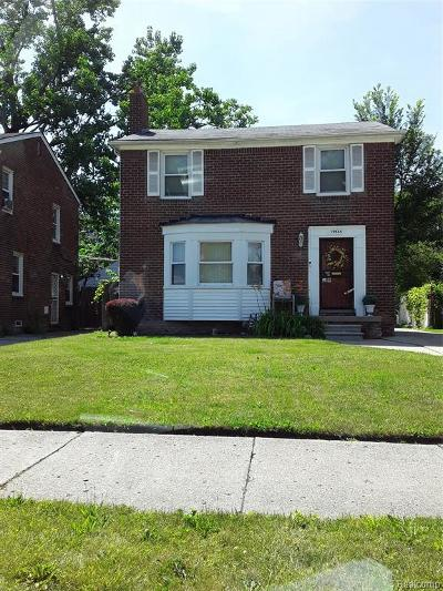 Detroit Single Family Home For Sale: 19335 Hartwell St