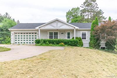 Oakland Twp Single Family Home For Sale: 336 S Rochester Rd