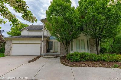 West Bloomfield Single Family Home For Sale: 5854 Three Ponds Crt