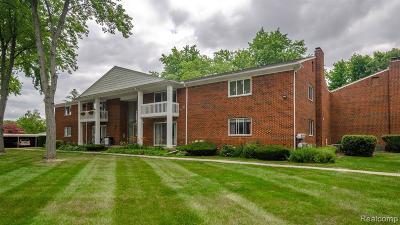 Clinton Township Condo/Townhouse For Sale: 42450 Sheldon Pl
