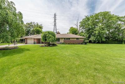 Dearborn Single Family Home For Sale: 6825 Anthony