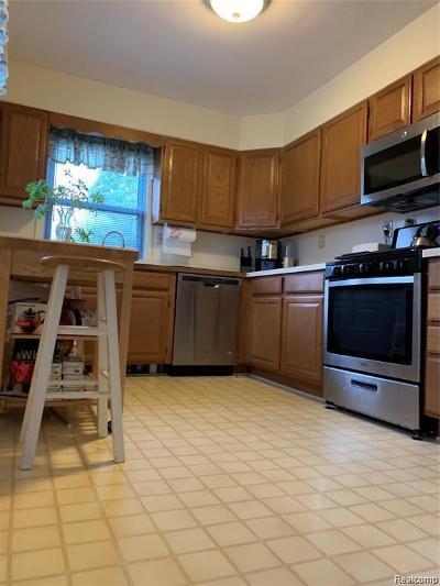 Dearborn Single Family Home For Sale: 3136 Detroit St