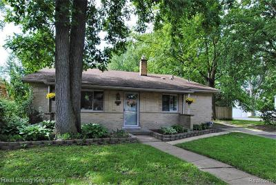 Royal Oak Single Family Home For Sale: 4023 Albert Ave