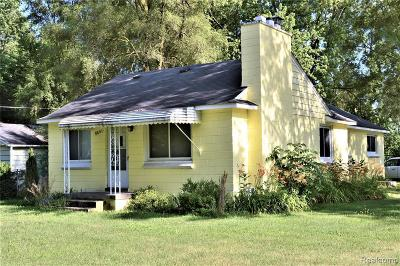 Oakland Single Family Home For Sale: 8031 Bywater St