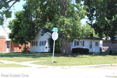 Dearborn Single Family Home For Sale: 24308 Hass St