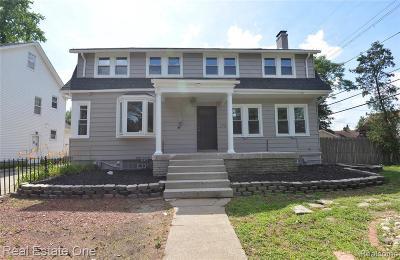 Royal Oak Single Family Home For Sale: 1713 N Washington Ave