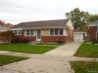 Saint Clair Shores Single Family Home For Sale: 28648 Beste St