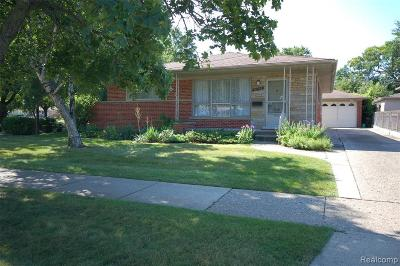 Dearborn Heights Single Family Home For Sale: 8043 Kinmore St