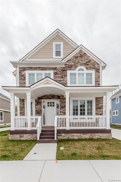Royal Oak Single Family Home For Sale: 225 N Dorchester Ave