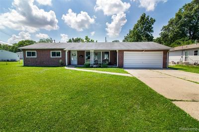 Madison Heights Single Family Home For Sale: 26393 Rialto St