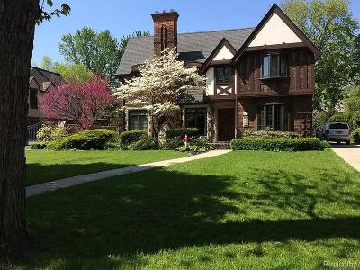 Grosse Pointe Park Single Family Home For Sale: 821 Trombley Rd