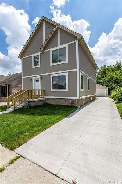 Ferndale Single Family Home For Sale: 342 Spencer St