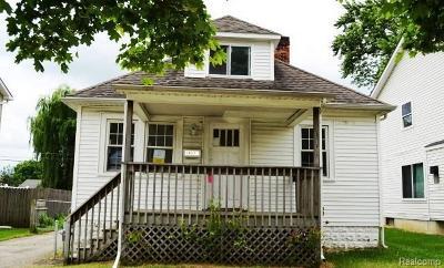 Oak Park Single Family Home For Sale: 14671 Kingston St