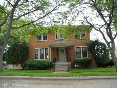 Saint Clair Shores Single Family Home For Sale: 23727 Defer St