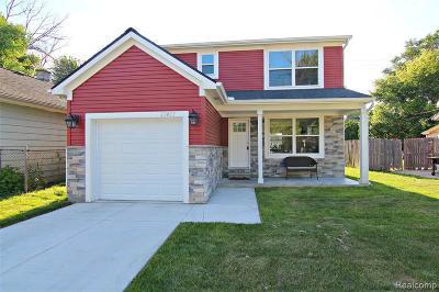 Hazel Park Single Family Home For Sale: 733 W Shevlin Ave