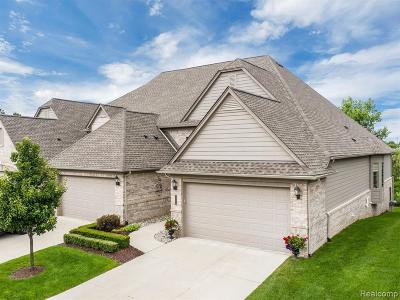 Clarkston Condo/Townhouse For Sale: 5728 Knob Hill Cir