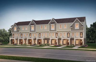Auburn Hills Condo/Townhouse For Sale: 3333 N Squirrel Crt N