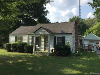 Flint Single Family Home For Sale: 1147 Harding Dr