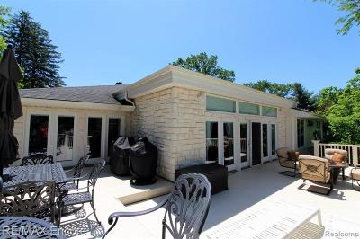 Clarkston Single Family Home For Sale: 6323 Middle Lake Road