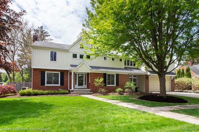 Royal Oak Single Family Home For Sale: 516 Hendrie Blvd