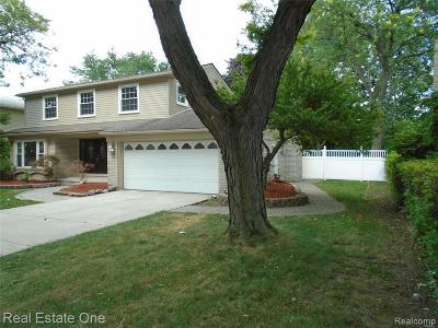Dearborn Heights Single Family Home For Sale: 2042 Whitefield St