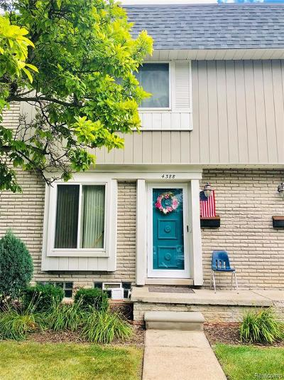 Sterling Heights Condo/Townhouse For Sale: 4388 15 Mile Rd