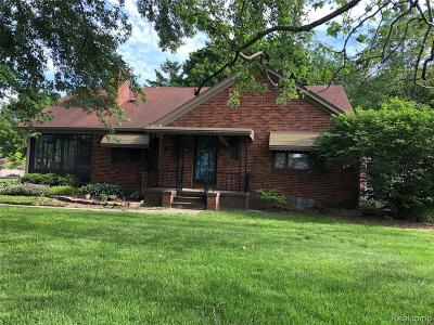 Westland Single Family Home For Sale: 34425 Parkgrove Dr