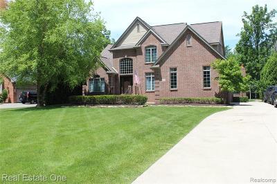 Livonia Single Family Home For Sale: 37700 Saint Martins