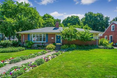 Plymouth Single Family Home For Sale: 1115 Roosevelt St