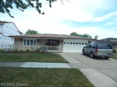 Dearborn Heights Single Family Home For Sale: 26464 Sims St