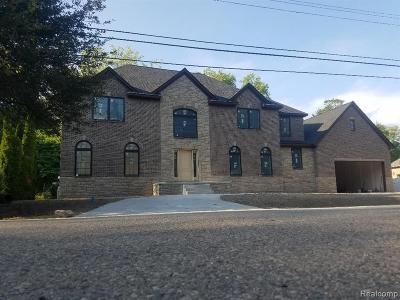Troy Single Family Home For Sale: 585 Colebrook Dr