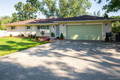 Lapeer Single Family Home For Sale: 2638 N Lapeer Rd