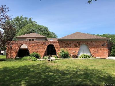 Troy Single Family Home For Sale: 3000 Roxbury
