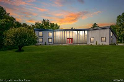 Clarkston Single Family Home For Sale: 9753 Gibbs Rd