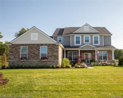 Oakland Twp Single Family Home For Sale: 788 Birchwood Crt