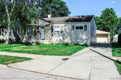 Madison Heights Single Family Home For Sale: 26394 Lorenz St