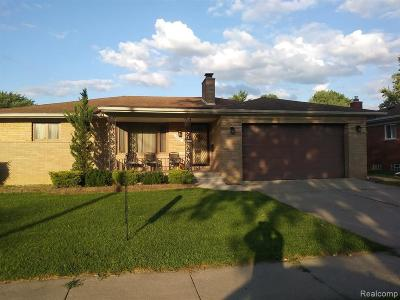 Dearborn Heights Single Family Home For Sale: 6860 N Evangeline St