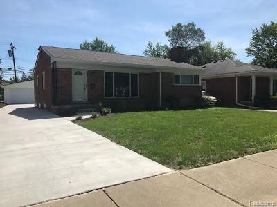 Harper Woods Single Family Home For Sale: 20220 Beaufait St