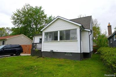Hazel Park Single Family Home For Sale: 370 W Maxlow Ave