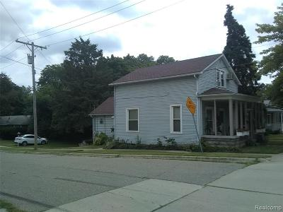 Plymouth Single Family Home For Sale: 696 N Holbrook St
