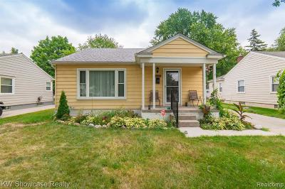 Oak Park Single Family Home For Sale: 24020 Sherman St