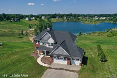 Clarkston Single Family Home For Sale: 9881 Dartmouth Rd