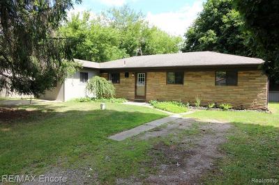 Clarkston Single Family Home For Sale: 9554 Susin Ln