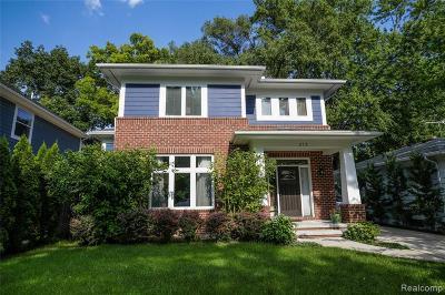 Royal Oak Single Family Home For Sale: 212 N Gainsborough Ave
