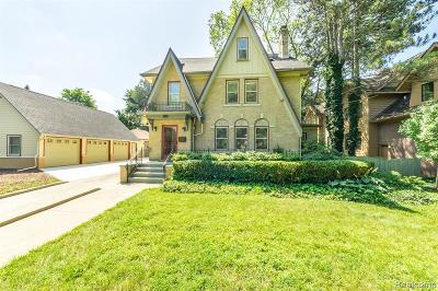 Northville Single Family Home For Sale: 663 Thayer Blvd