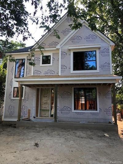 Royal Oak Single Family Home For Sale: 918 Alexander Ave