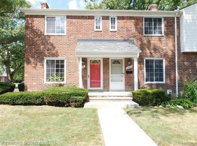 Saint Clair Shores Condo/Townhouse For Sale: 23201 Edsel Ford Crt
