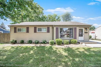 Royal Oak Single Family Home For Sale: 4327 Hampton Blvd