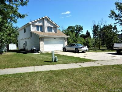 Marysville  Single Family Home For Sale: 1620 Huron
