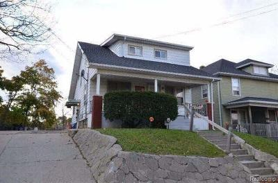Flint Multi Family Home For Sale: 914 Durand St